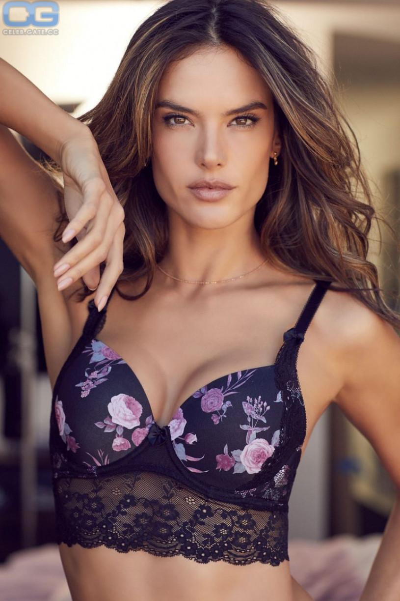 Alessandra ambrosio sexy naked