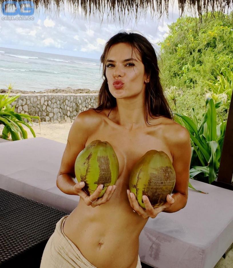 naked Alessandra ambrosio