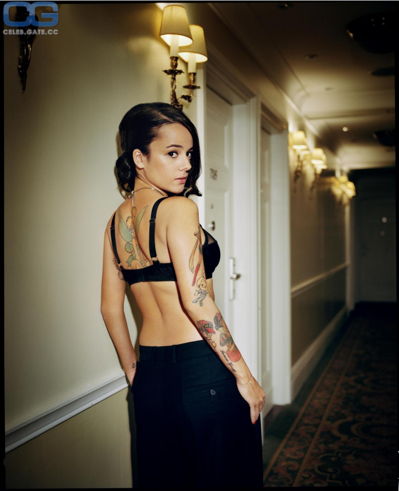 images CelebGate Alizee Coucke Topless