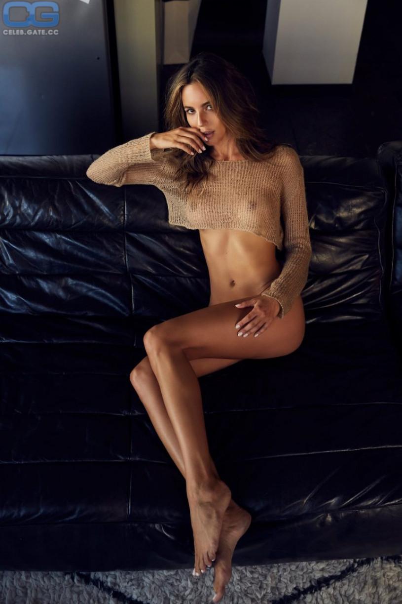CelebGate Amanda Pizziconi Naked - 9 Photos