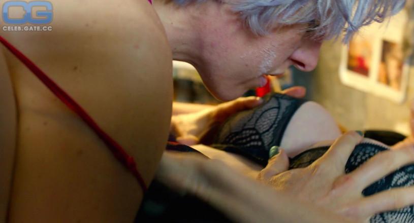100 Photos of Amber Benson Topless