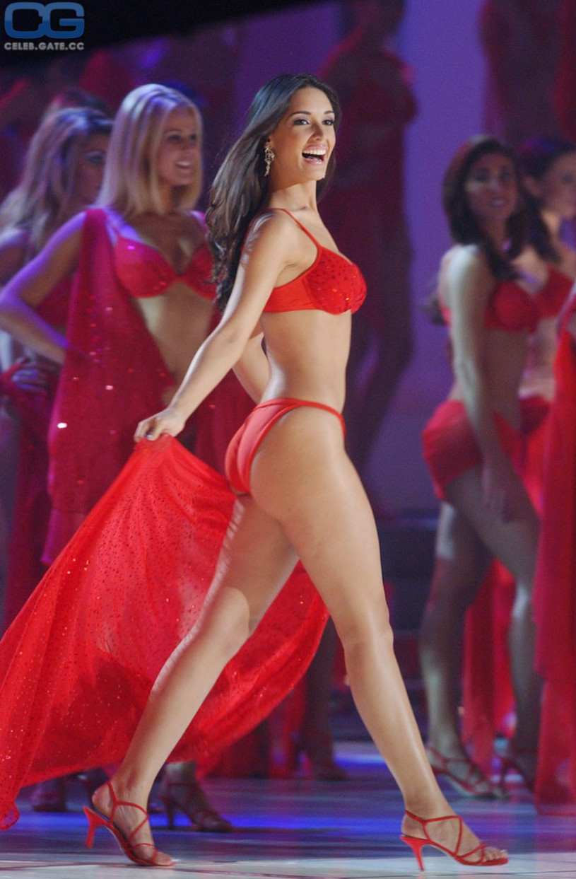 100 Photos of Amelia Vega Nude