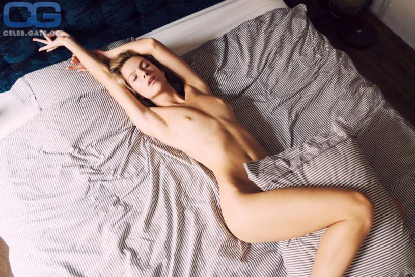 Angela Olszewska nackt