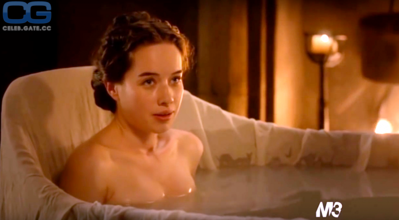 Has Anna Popplewell ever been nude? - Pictures of