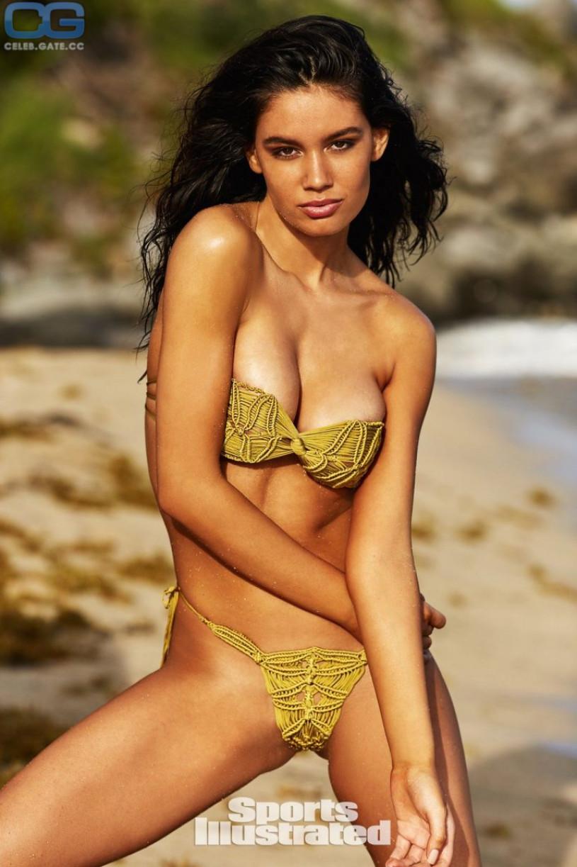 Erica pelosini upskirt,Sports Illustrated Swimsuit 2014 by James Macari Erotic image Lindsay Lohan's Duck Lips,Vogue Williams Sexy