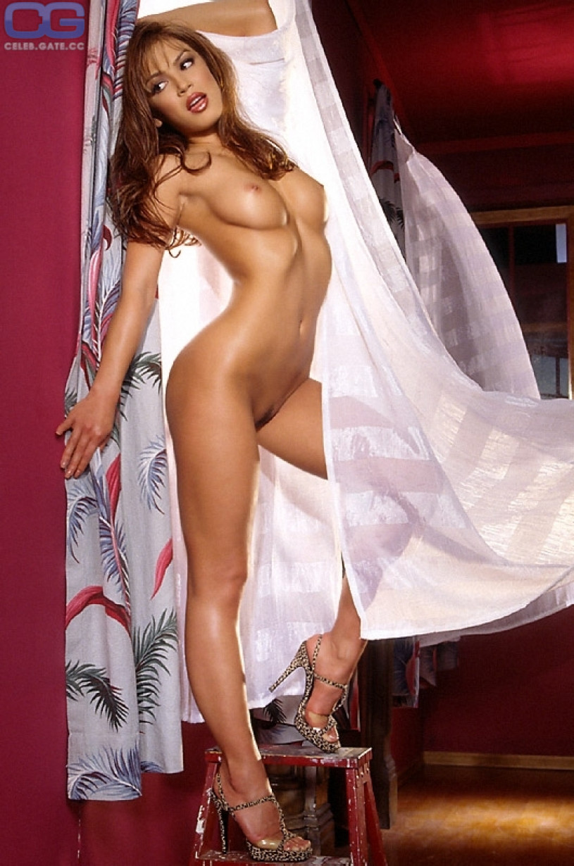Jodi Ann Paterson Nude - 17 Pictures: