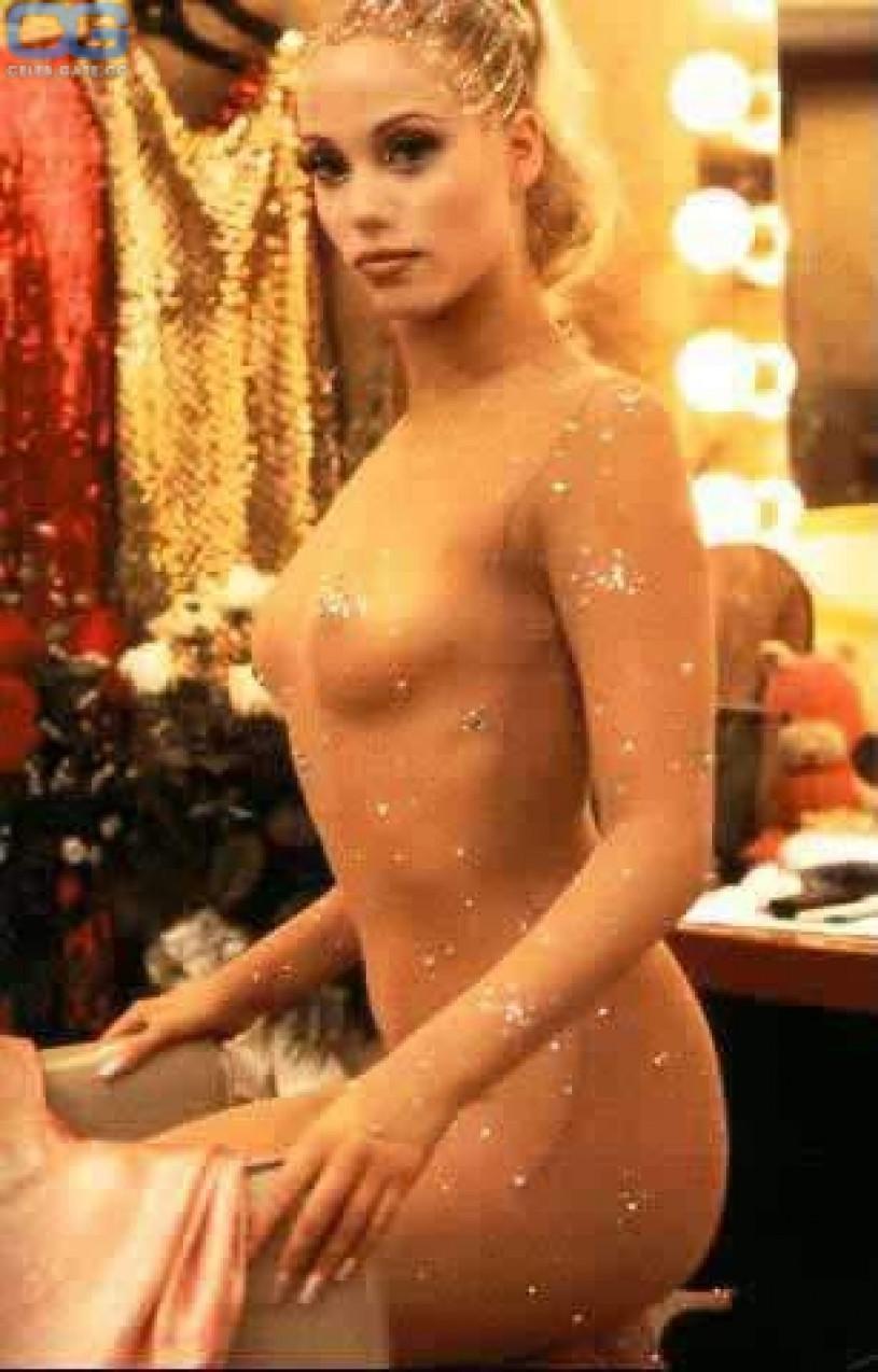 Elizabeth berkley nackt
