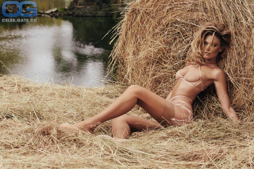 Paris jackson nude fakes porn