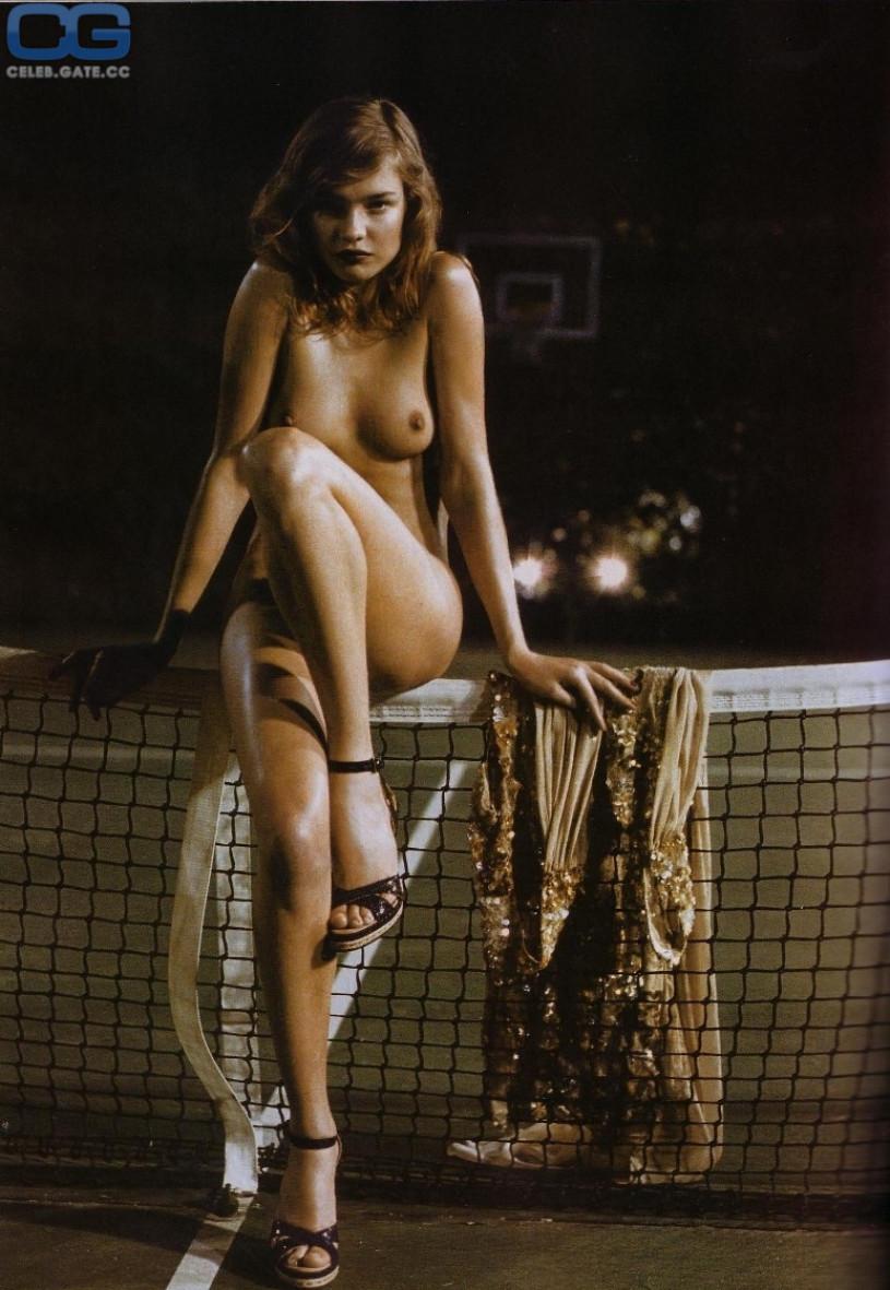 free naked sabrina