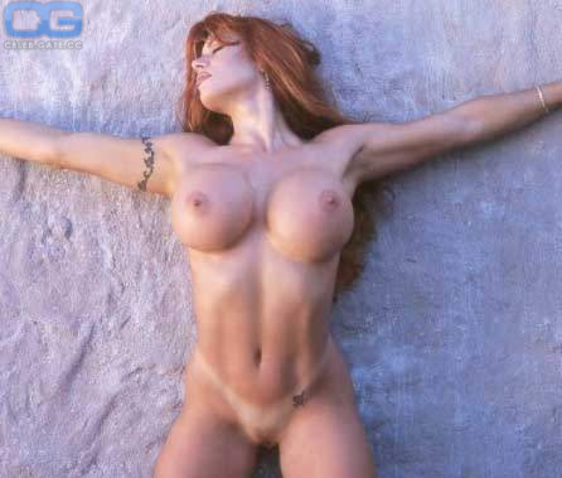 Sorry, Nude april hunter naked opinion