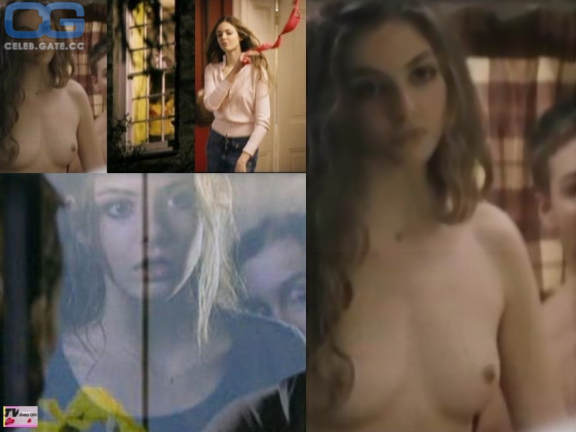 naked boy in movie
