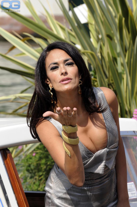 That interfere, Maria grazia cucinotta nude pics