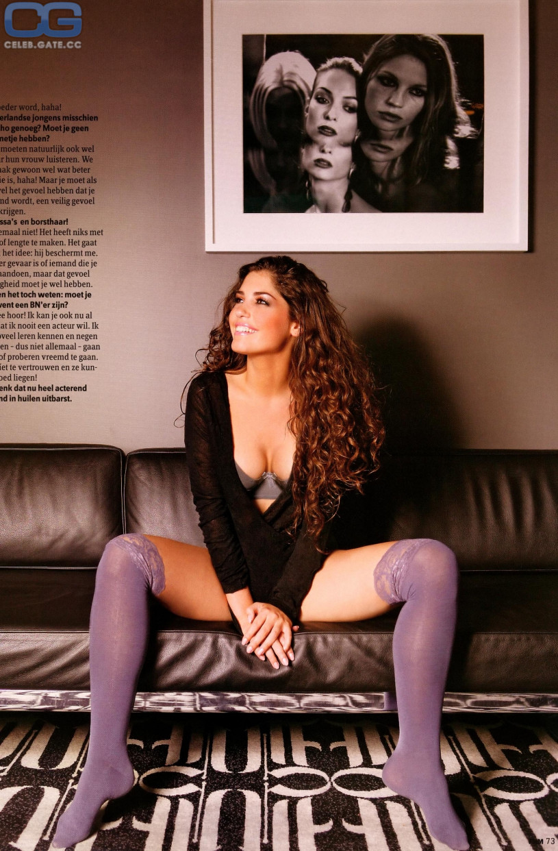 yolanthe-naked-girls-pictures-naked-female-sex-change