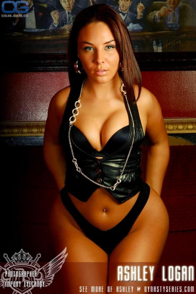 Ashley Logan nackt, Oben ohne Bilder, Playboy Fotos,
