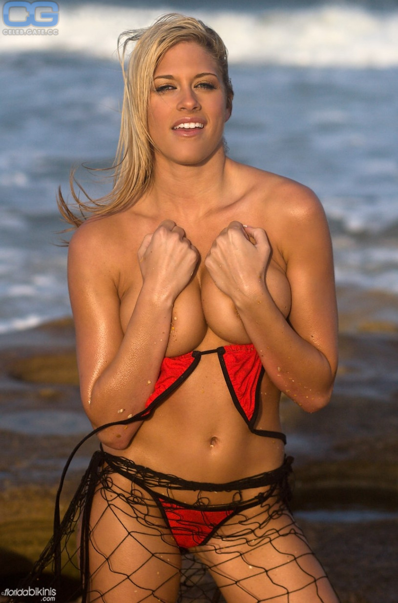 Pictures of torrie wilson nude