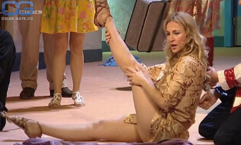 How Caroline beil naked