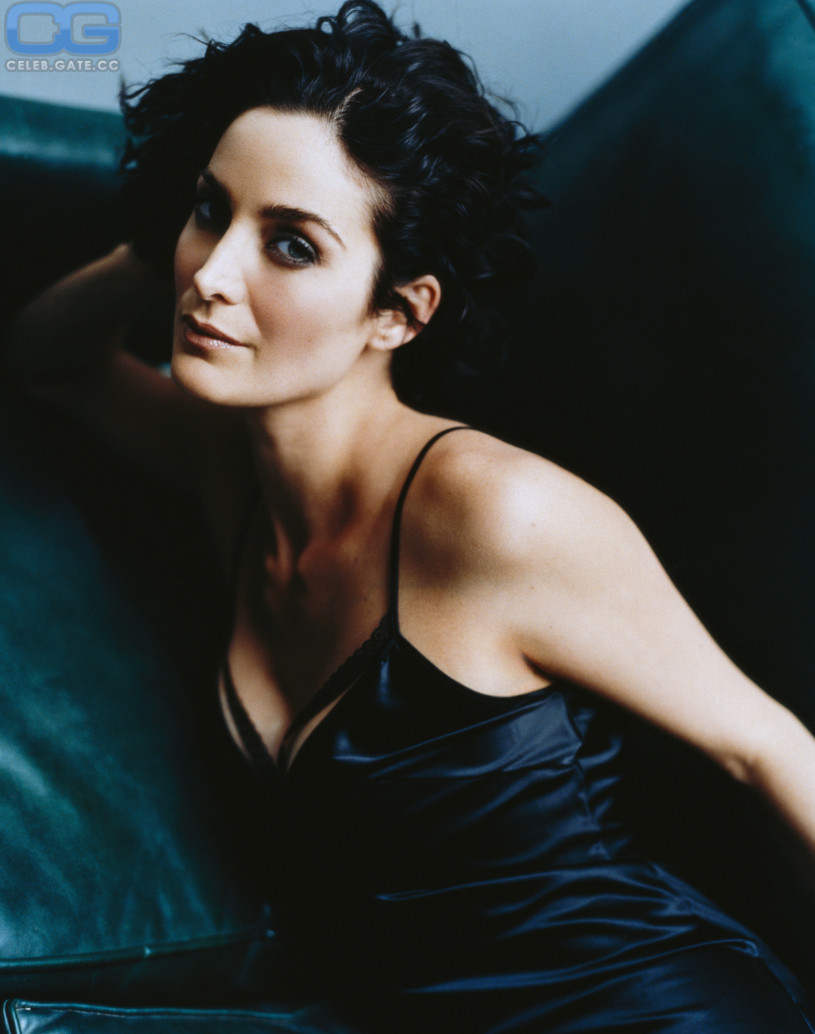 Carrie Anne Moss Nude Pictures