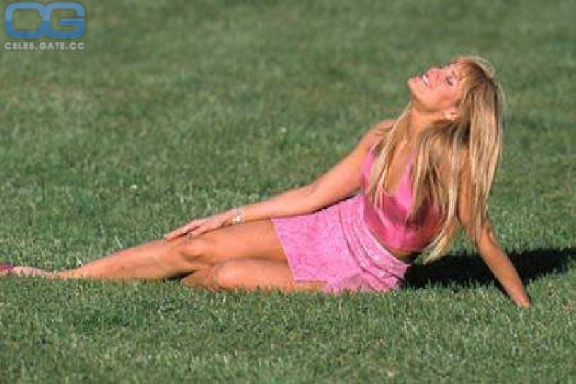Topless Lillian Garcia Nude Pics