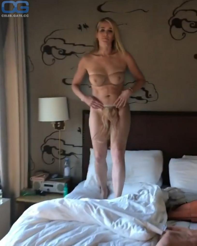 Girls gang hardcore nude sex