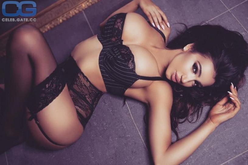 Chloe Khan lingerie