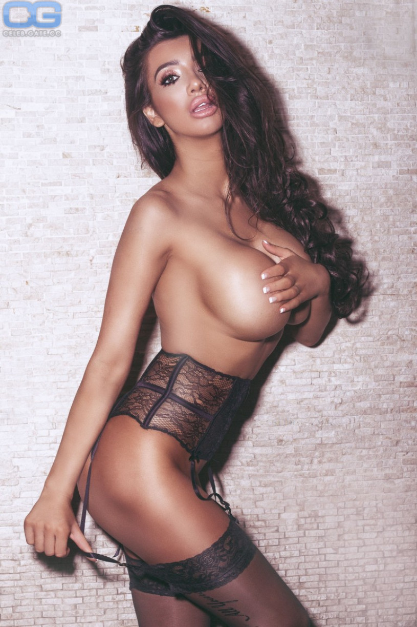 http://celeb.gate.cc/media/cache/original/upload/c/h/chloe-khan-topless-395109.jpeg