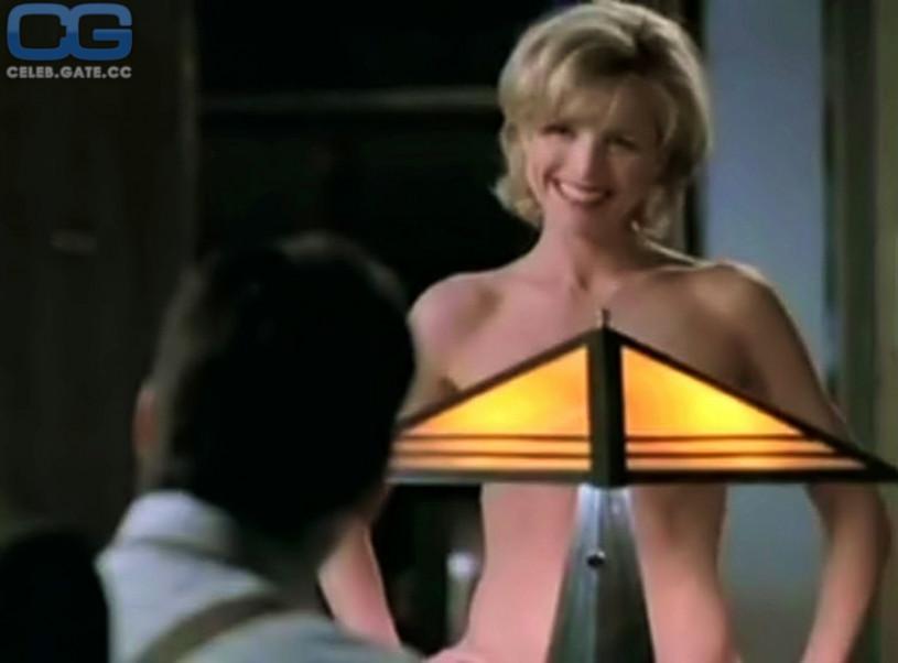 Courtney thorne smith nude scene