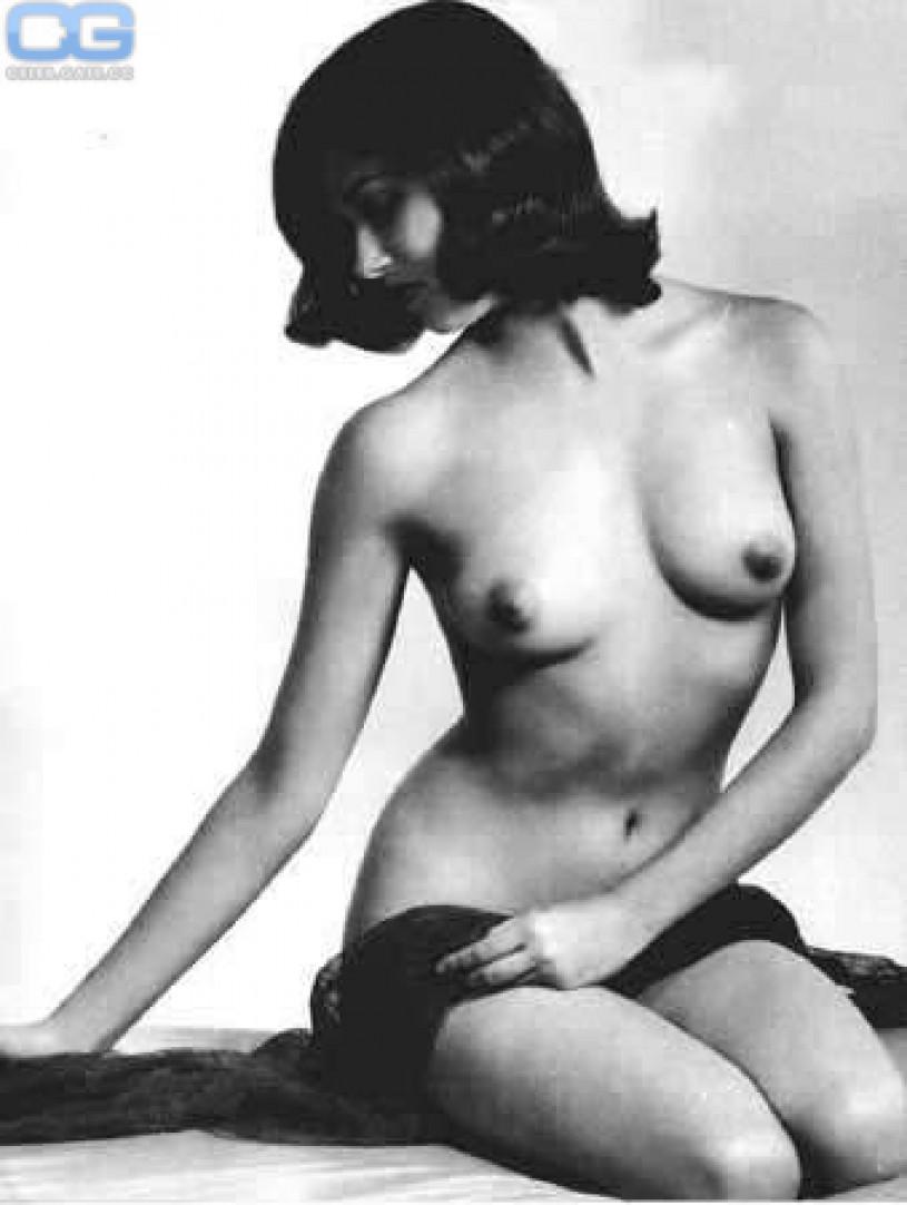 Bunck pass nudist pussy