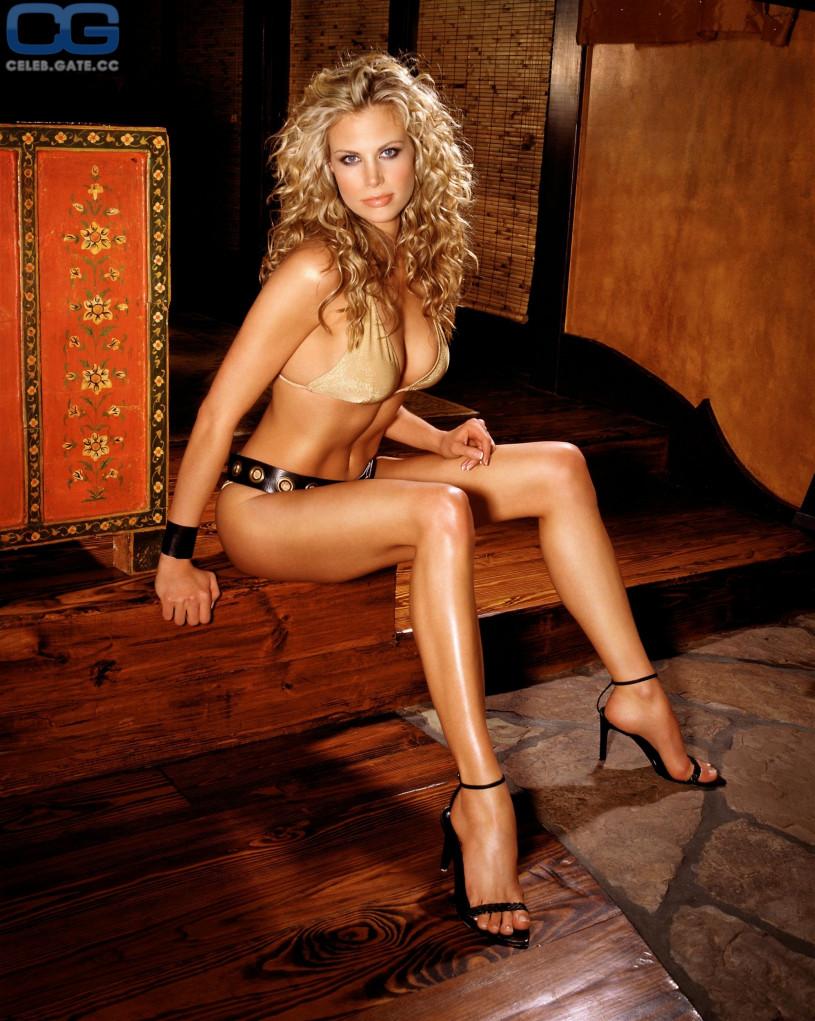 Blonde full bush nude