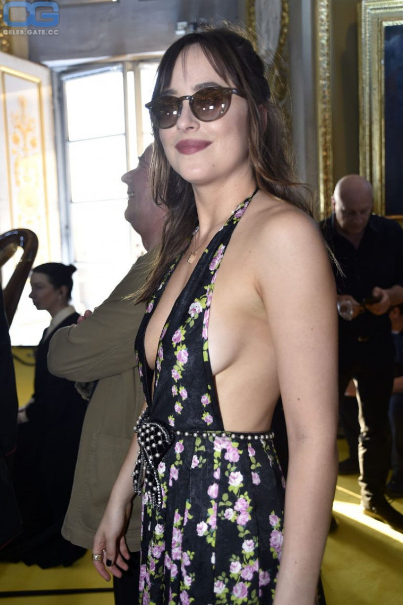 cameltoe Pussy Jennifer Aboul naked photo 2017