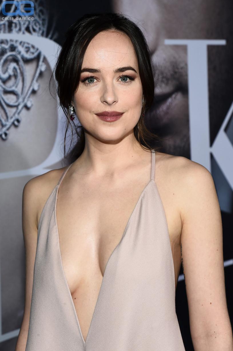 Dakota Johnson Nudes