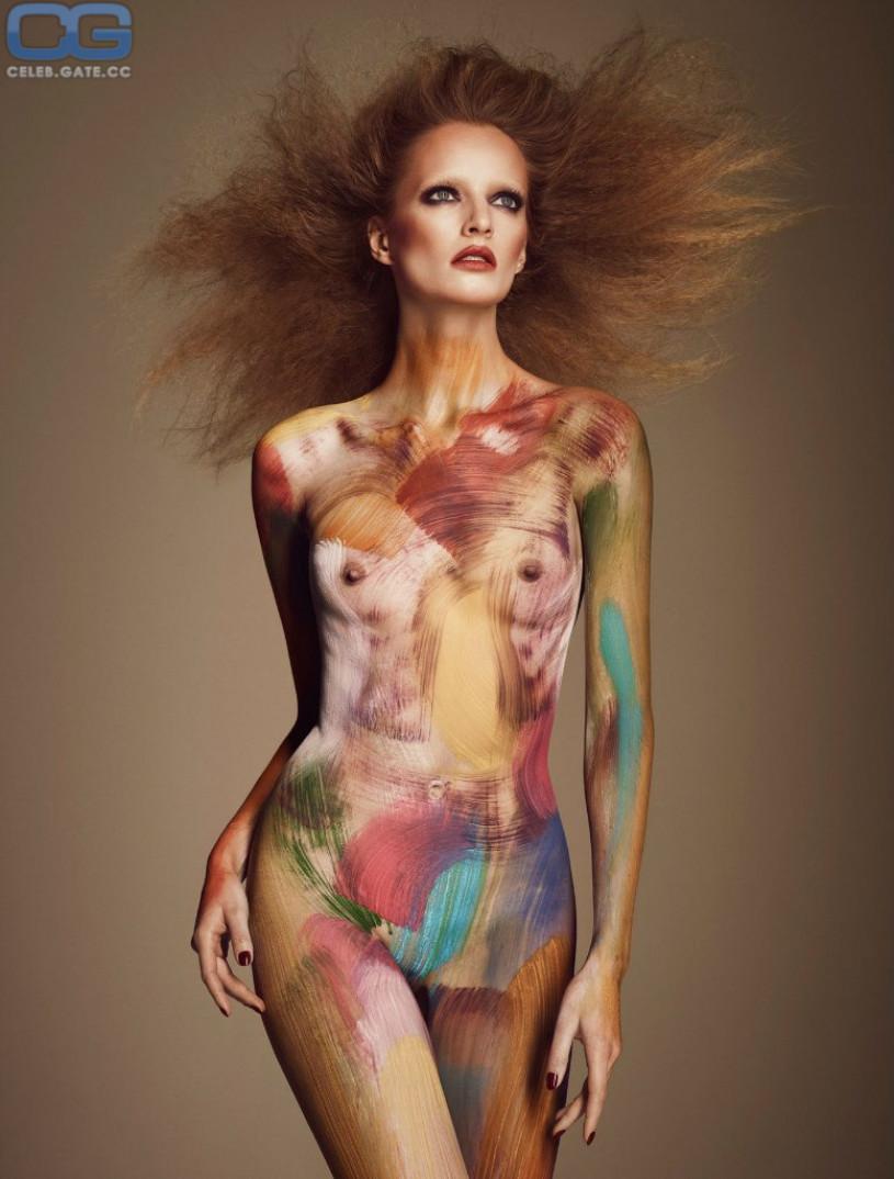 Naked woman closeup ass