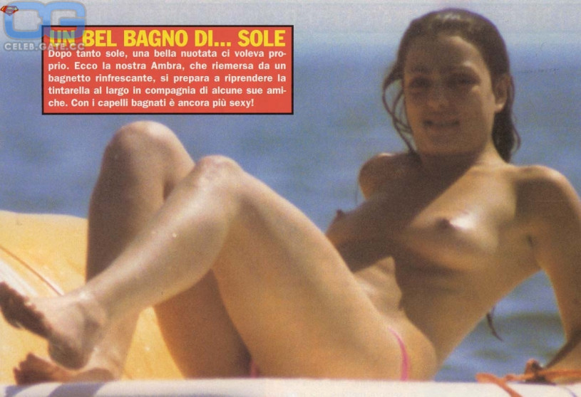100 Pictures of Ambra Angiolini Nuda