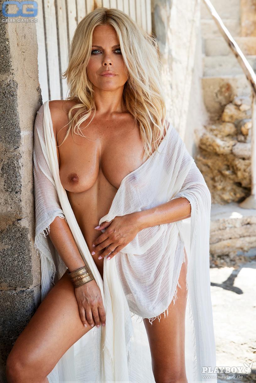 Fakes claudia schiffer nude