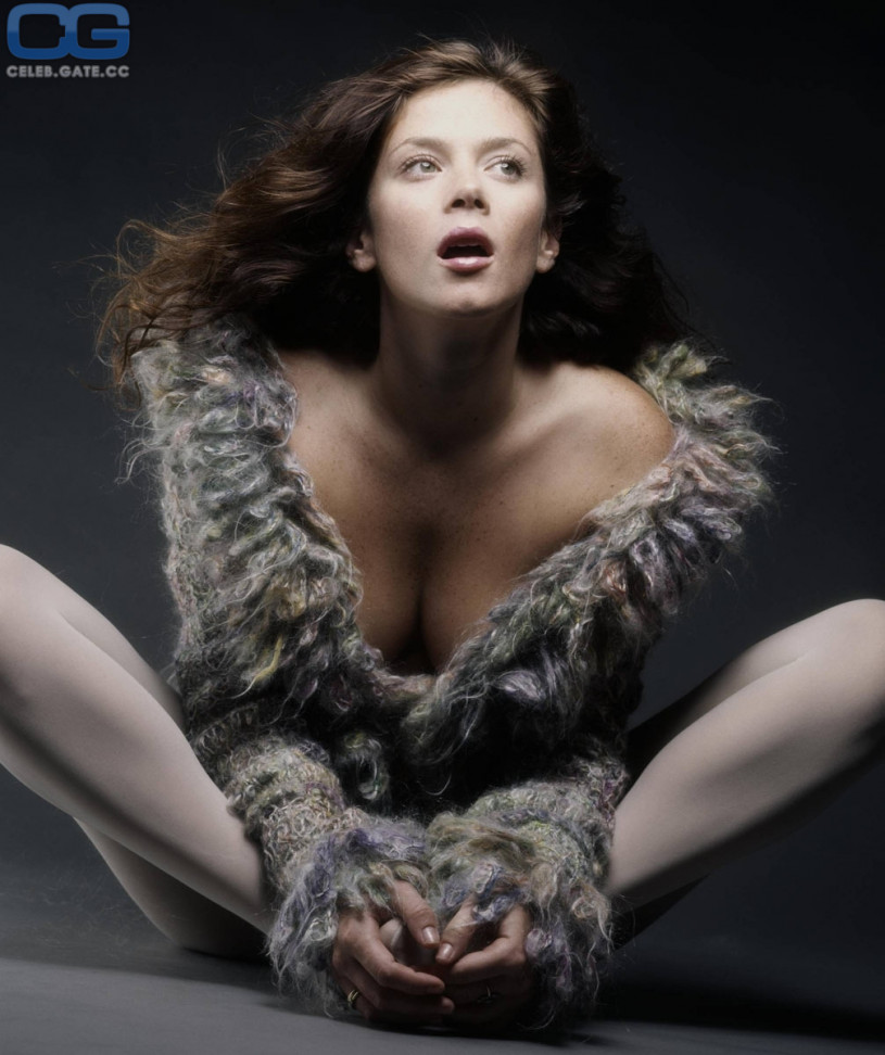 Communication on this topic: Helene fischer cleavage, celebgate-anna-friel-topless-7-photos/