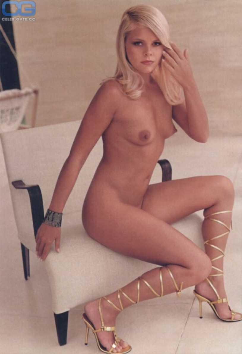 Nude girl tied and spread legs