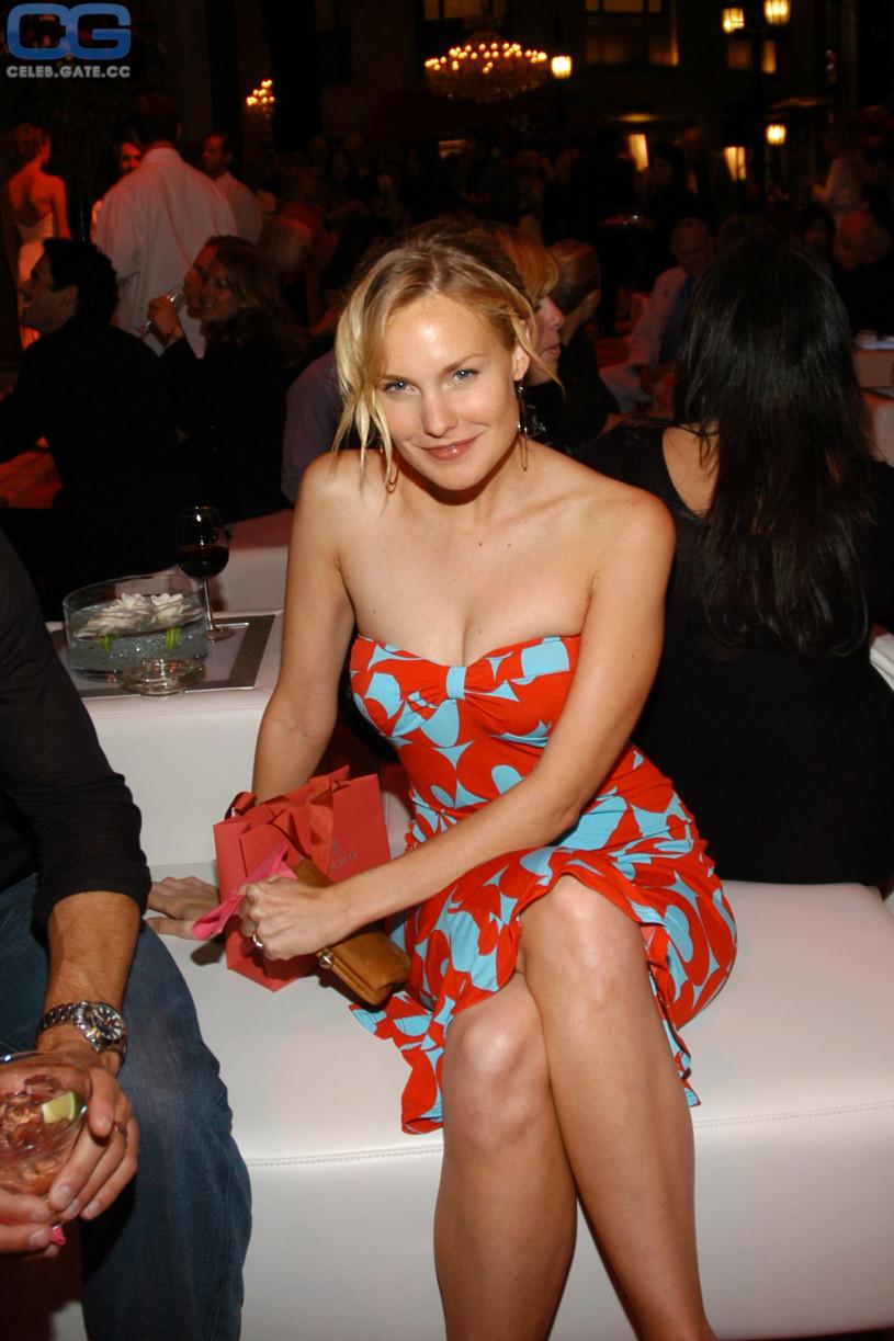 Jennifer love hewit milf