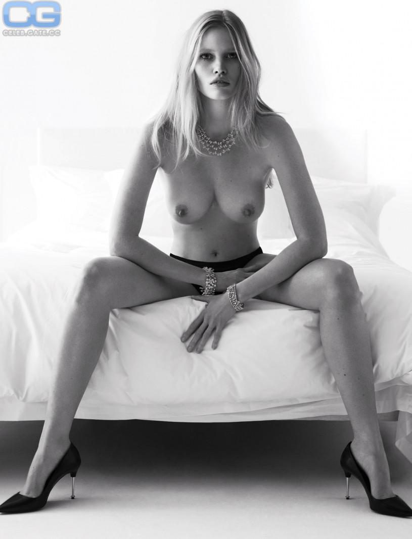 Lara Stone Topless new foto