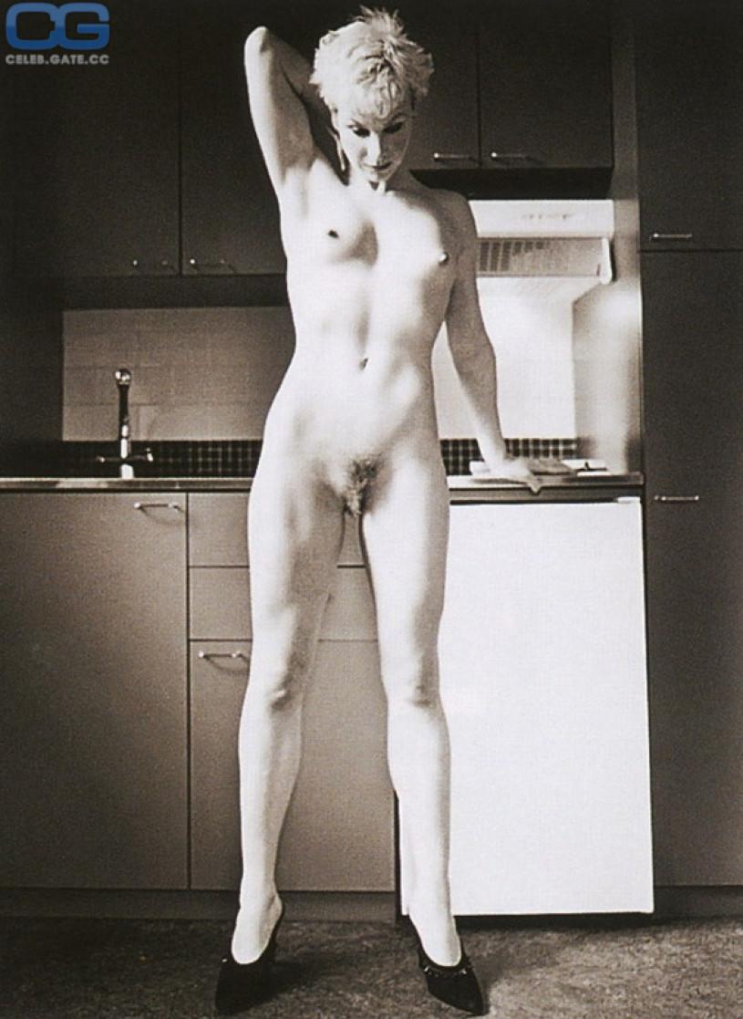 Belinda Naked Pictures 66