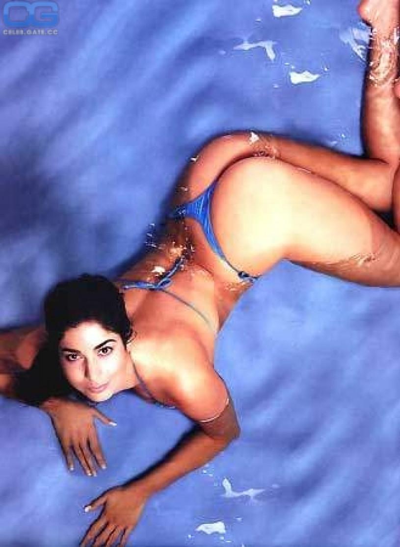 Sexy big ass nude girls