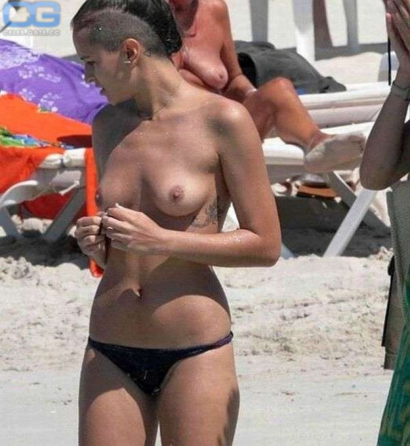 Girl naked cellphone pictures