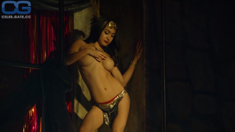 Big booty naked latina gifs
