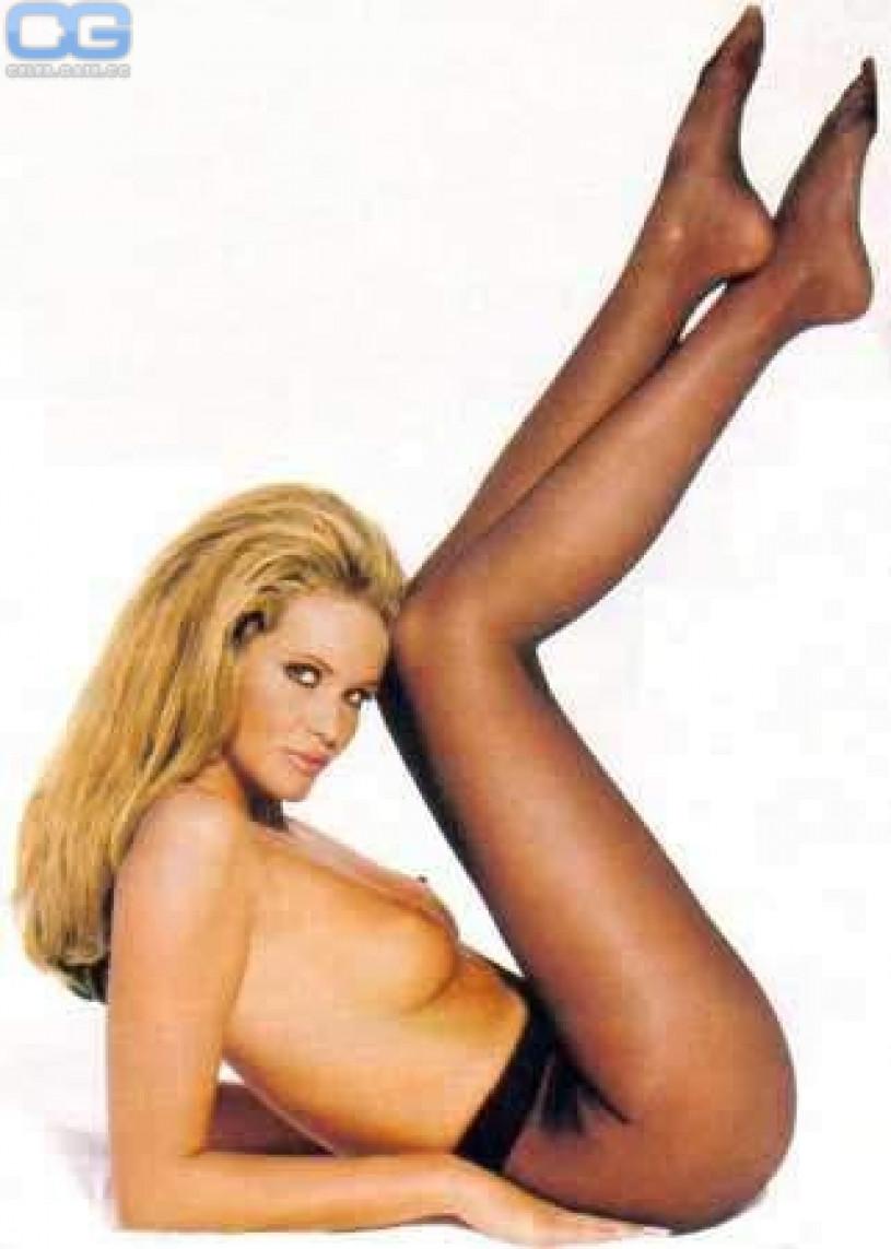 Elle Macpherson Nackt Nacktbilder Playboy Nacktfotos Fakes Oben