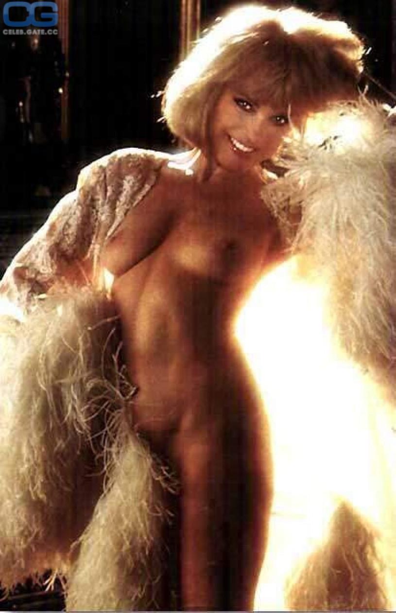 tiffani thiessen naked in playboy