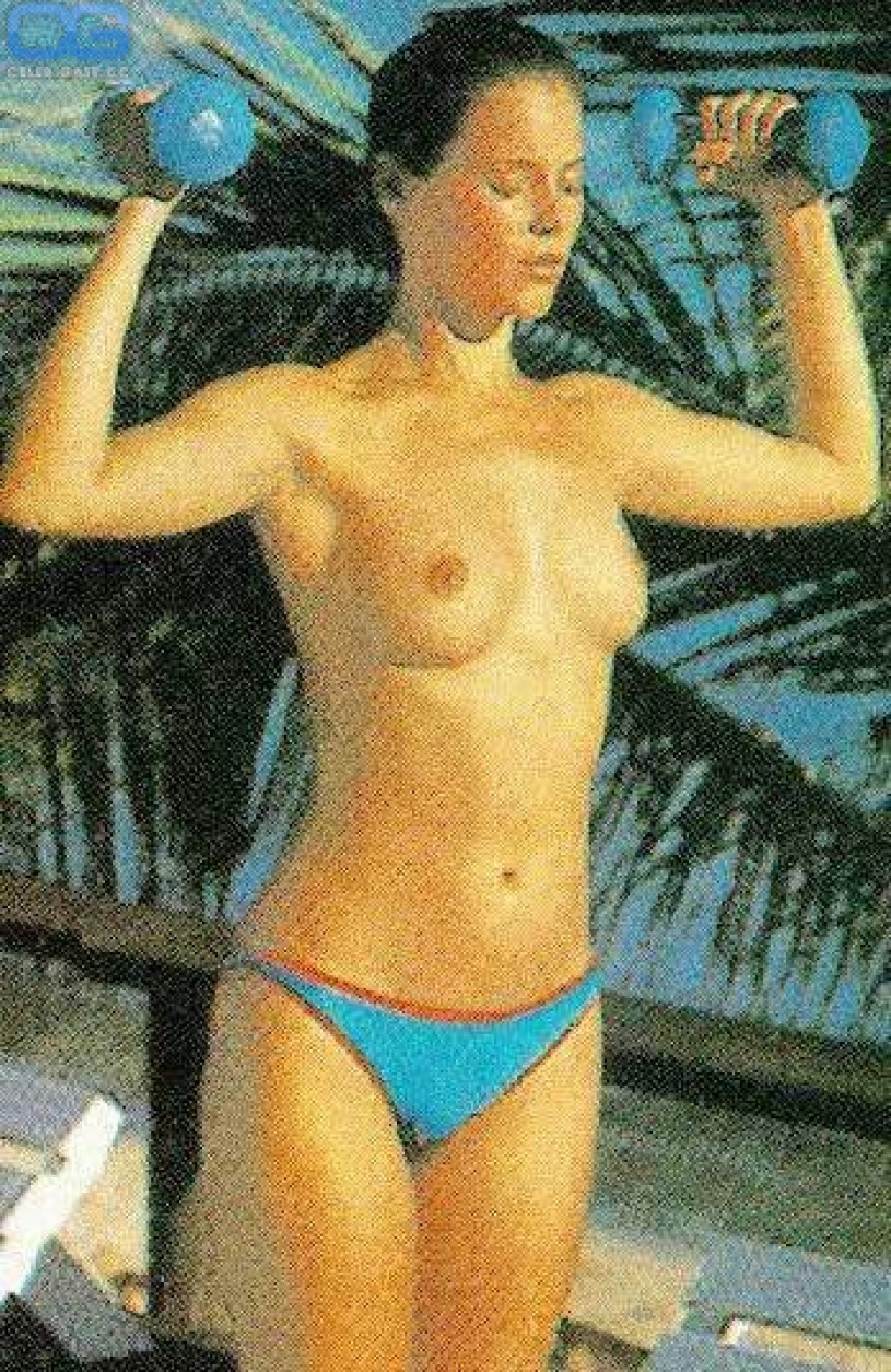 naked carey lowell