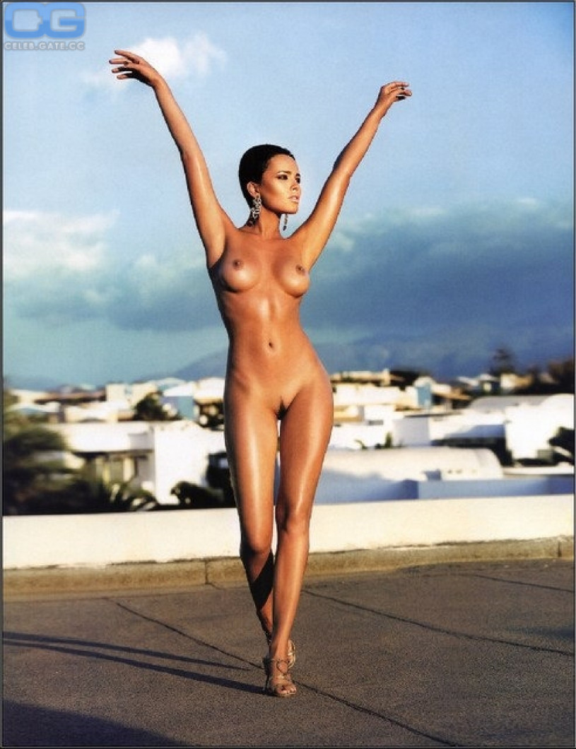 Helen parr nude ass