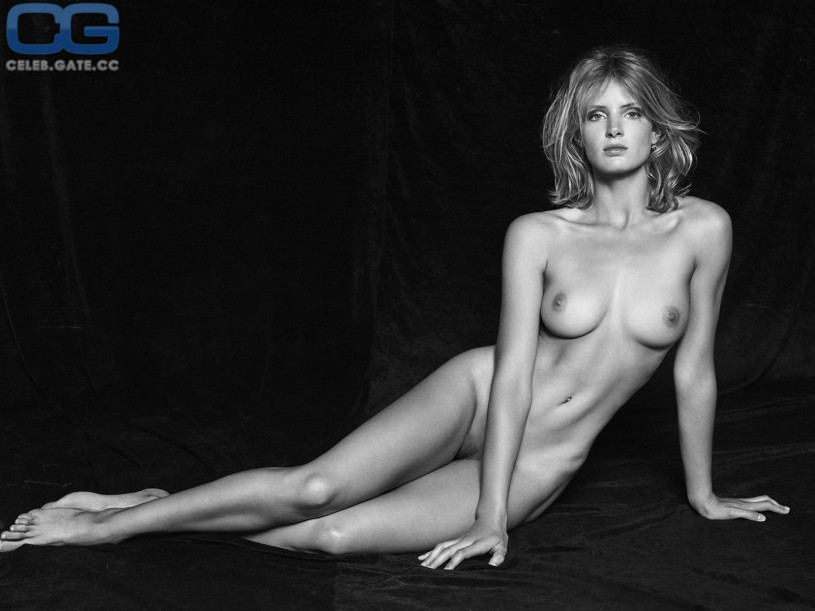 Fappening Topless Fanny Francois  nude (99 fotos), Snapchat, butt