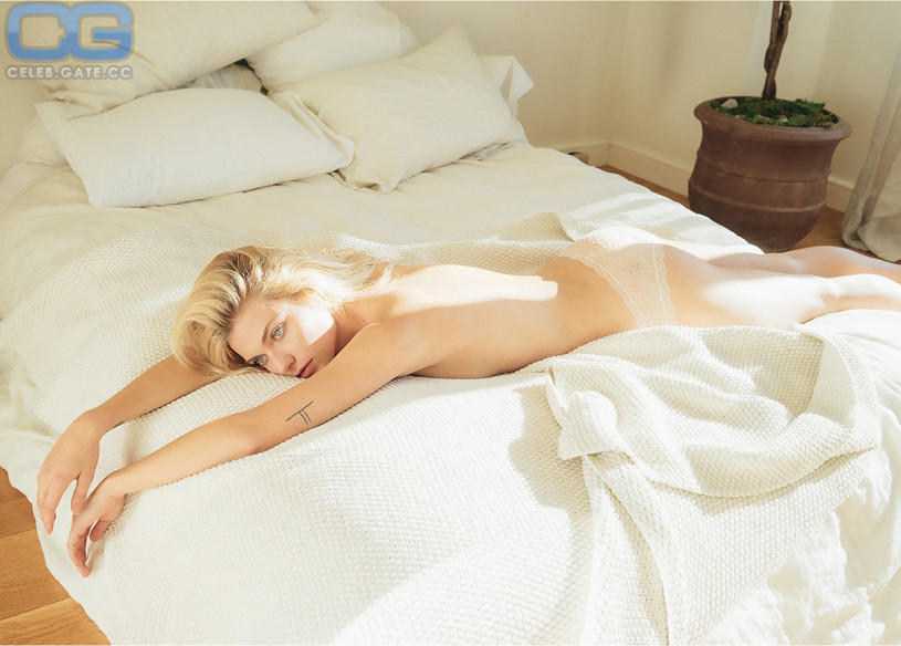 pics Farah Holt Naked - 9 Photos
