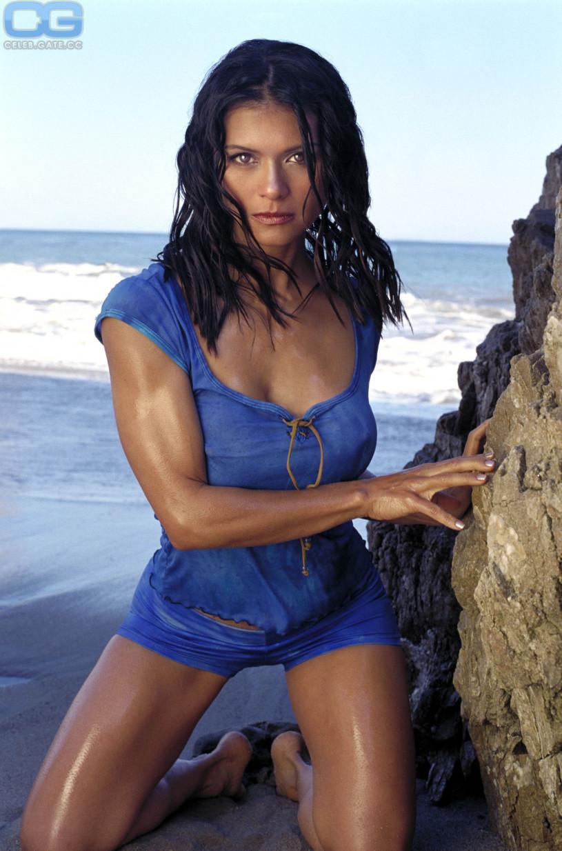 Michelle MacErlean Nude Photos