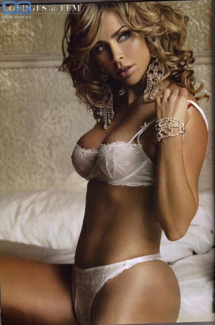 Aylin mujica nude pictures picture 343