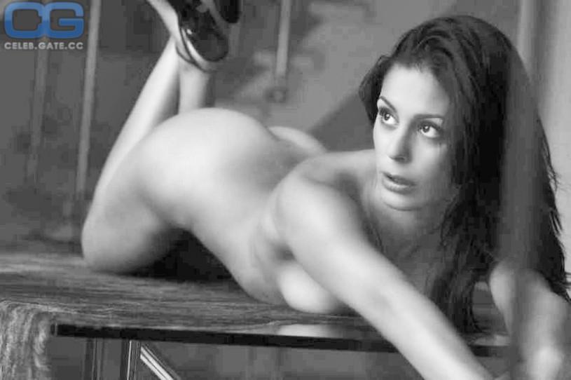 funda vanroy nude
